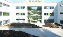 Herstellung der Außenanlagen beim BWZK in Koblenz für das neue Gebäude F1 inkl. Pflaster- und Natursteinarbeiten